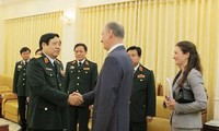 Bộ trưởng Quốc phòng Phùng Quang Thanh tiếp Thư ký Hội đồng An ninh Liên bang Nga