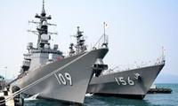 Tàu tự vệ trên biển Nhật Bản cập cảng Cam Ranh thăm hữu nghị Việt Nam