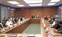 Phó Chủ tịch Quốc hội Uông Chu Lưu tiếp Đoàn đại biểu Quốc hội tỉnh Đồng Tháp các khóa