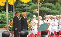 TBT Chủ tịch nước Lào Bounnhang Volachith thăm Học viện Chính trị Quốc gia