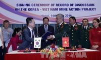 Việt Nam-Hàn Quốc hợp tác khắc phục hậu quả bom mìn sau chiến tranh