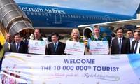 Vị khách quốc tế thứ 10 triệu và sự phát triển du lịch Việt Nam