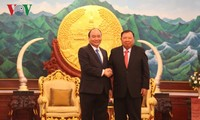 Thủ tướng Nguyễn Xuân Phúc gặp gỡ các Lãnh đạo Đảng, Nhà nước Lào