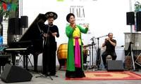 Luala concert- จุดนัดพบของดนตรีแนวสมัยใหม่กับดนตรีพื้นเมือง