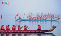 Dragon boat race makes waves in Hanoi