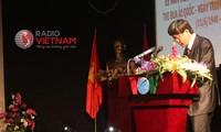 สหภาพแรงงานและสถานีวิทยุเวียดนามปฏิบัติคำเรียกร้องแข่งขันรักชาติของประธานโฮจิมินห์