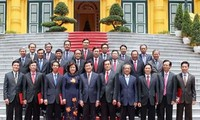 ประธานประเทศเวียดนามมอบหนังสือแต่งตั้งเอกอัครราชทูตและกงสุลใหญ่เวียดนามประจำต่างประเทศ