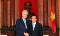 นายบิล คลินตัน อดีตประธานาธิบดีสหรัฐยืนยันว่า จะพยายามเพื่อมีส่วนร่วมให้แก่ความสัมพันธ์เวียดนามสหรัฐ