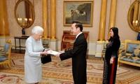 สมเด็จพระราชินีนาถเอลิซาเบธที่๒แห่งสหราชอาณาจักรทรงให้ความสนใจต่อความร่วมมือกับเวียดนาม