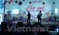 Chợ quê Việt sôi động giữa lòng thủ đô Australia