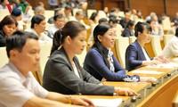 Quốc hội biểu quyết thông qua Luật Quản lý nợ công (sửa đổi)