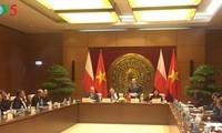 Gặp mặt Nhóm Nghị sĩ hữu nghị của Quốc hội Việt Nam và Nghị viện Ba Lan