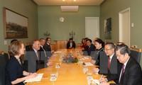 Chủ tịch Quốc hội Nguyễn Thị Kim Ngân hội đàm với Chủ tịch lưỡng viện Quốc hội Australia
