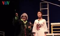 """Nhà hát Tuổi Trẻ ra mắt vở kịch """"Hoa cúc xanh trên đầm lầy"""""""