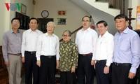 Tổng Bí thư Nguyễn Phú Trọng thắp hương tưởng nhớ các nguyên lãnh đạo Đảng, Nhà nước