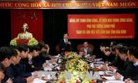 Phó Thủ tướng Trịnh Đình Dũng kiểm tra công tác khắc phục thiên tai tại tỉnh Hòa Bình