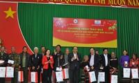 Thủ tướng Nguyễn Xuân Phúc thăm hỏi, tặng quà Tết cho đồng bào dân tộc thiểu số tỉnh Đắk Nông