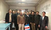 Đại sứ quán Việt Nam tại Angieri thăm chúc Tết công nhân Việt Nam