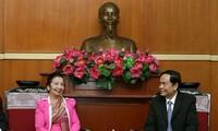 Củng cố hợp tác giữa Tổ chức Mặt trận Việt Nam - Lào