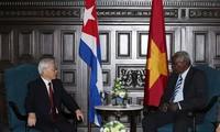Tổng Bí thư Nguyễn Phú Trọng hội kiến Chủ tịch Quốc hội Cuba Esteban Lazo Hernándes