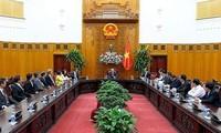 Thủ tướng Nguyễn Xuân Phúc tiếp đoàn các nhà đầu tư Singapore