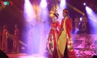 Trình diễn áo dài tại Festival Huế 2018