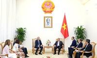 Thủ tướng Nguyễn Xuân Phúc tiếp Chủ tịch Tập đoàn JP. Morgan (Hoa Kỳ)