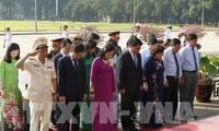 Hoạt động kỷ niệm 128 năm Ngày sinh Chủ tịch Hồ Chí Minh ở trong và ngoài nước