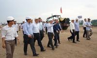 Phó Thủ tướng Trịnh Đình Dũng kiểm tra tiến độ triển khai tuyến cao tốc Trung Lương – Cần Thơ