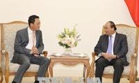 Thủ tướng Nguyễn Xuân Phúc tiếp tân Đại sứ Hàn Quốc tại Việt Nam Kim Do Hyun