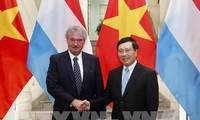 Phó Thủ tướng, Bộ trưởng Ngoại giao Phạm Bình Minh hội đàm với Bộ trưởng Ngoại giao và châu Âu