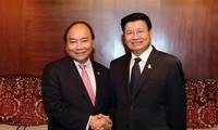 Thủ tướng Chính phủ Nguyễn Xuân Phúc hội đàm với Thủ tướng Thái Lan và Thủ tướng Lào