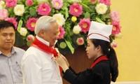 Phó Chủ tịch Quốc hội Uông Chu Lưu gặp mặt Đoàn cán bộ Đội, thiếu nhi xuất sắc tỉnh Bắc Kạn