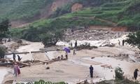 Hội Chữ thập đỏ Việt Nam tiếp tục cứu trợ đồng bào các tỉnh bị thiệt hại do mưa lũ