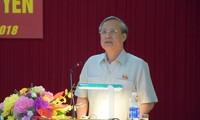 Thường trực Ban Bí thư Trần Quốc Vượng việc với Tỉnh ủy Quảng Ngãi