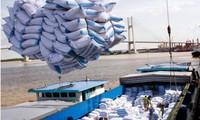 Kim ngạch hàng hóa xuất khẩu 6 tháng đầu năm ước đạt gần 114 tỷ USD