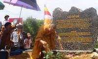 Rước cây Bồ Đề thiêng về trồng tại chùa Tam Chúc, tỉnh Hà Nam