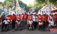 Đi bộ ủng hộ nạn nhân chất độc da cam và người khuyết tật nghèo