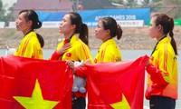 Đài Tiếng nói Việt Nam thưởng 200 triệu đồng cho Đội tuyển Rowing Việt Nam.