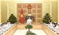 Thủ tướng Nguyễn Xuân Phúc chủ trì họp về hỗ trợ khẩn cấp nhà ở cho hộ dân mất nhà do lũ quét và sạt lở đất