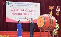 Chủ tịch nước dự Lễ khai giảng tại trường THPT Chu Văn An, Hà Nội
