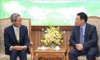 Phó Thủ tướng Vương Đình Huệ tiếp lãnh đạo Tập đoàn Tài chính Kookmin Hàn Quốc