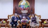 Thường trực Ban Bí thư Trần Quốc Vượng hội kiến Chủ tịch Quốc hội Lào