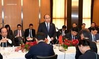 Thủ tướng Nguyễn Xuân Phúc tọa đàm với các doanh nghiệp hạ tầng và tài chính Nhật Bản