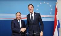 Thủ tướng Nguyễn Xuân Phúc tiếp xúc song phương bên lề Hội nghị Cấp cao Á-Âu (ASEM12)