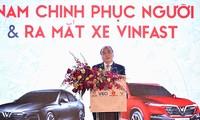 Thủ tướng Nguyễn Xuân Phúc dự Lễ phát động Hàng Việt Nam chinh phục hàng Việt Nam