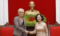 Đoàn Cánh tả Đức thăm và làm việc tại Việt Nam