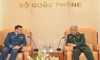 Thúc đẩy quan hệ quốc phòng Việt Nam – Canada