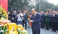 Thủ tướng Nguyễn Xuân Phúc dâng hương tại Lễ hội kỷ niệm 230 năm Chiến thắng Ngọc Hồi – Đống Đa