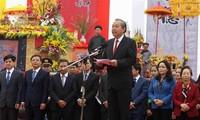 Phó Thủ tướng Thường trực Chính phủ Trương Hòa Bình dự và thực hiện nghi lễ cày tịch điền tại tỉnh Hà Nam